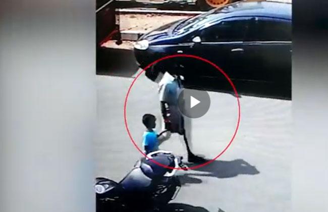 Chennai, kidnap, father, Bar, resuced, Tasmac bar, CCTV Camera footage