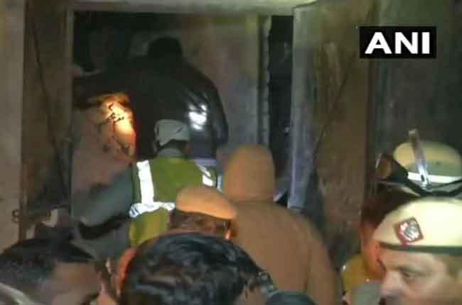 Delhi Accident: 7 dead as LPG blast | 10TV