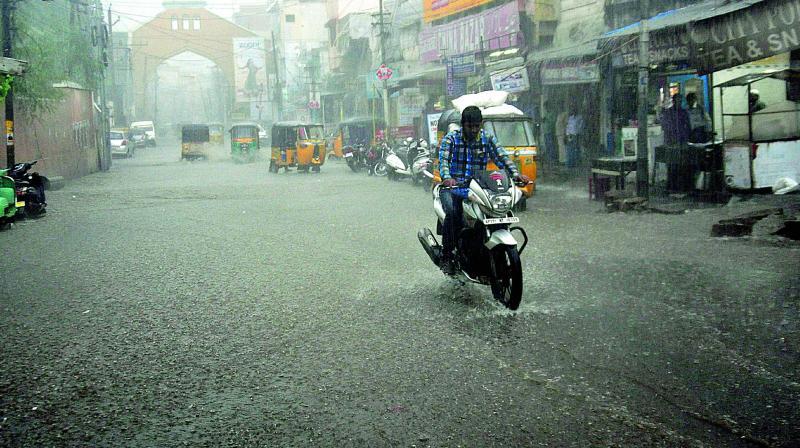Hyderabad Morning Turns Into Night Again
