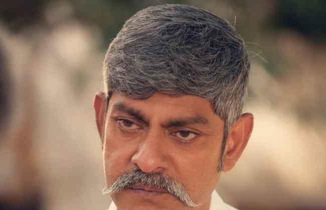 Jagapathi Babu as YS Raja Reddy in Yatra Movie -10TV