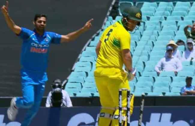 Sydney Odi, India Target 289 Runs