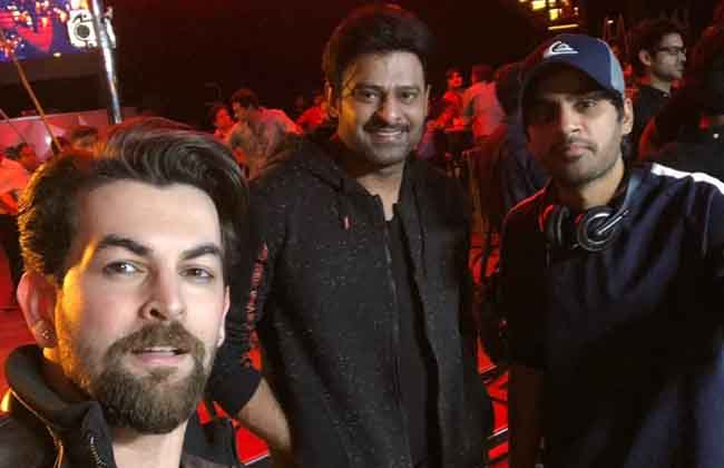 Young Rebel Star Prabhas Latest Pics Goes Viral-10TV