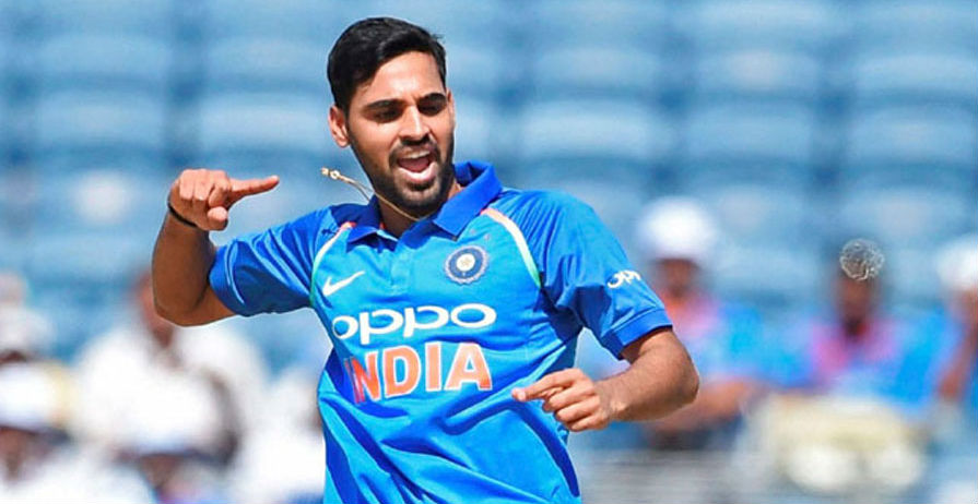 Australia lost First wicket by Bhuvneshwar kumar