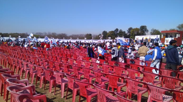 Empty chairs compel Arvind Kejriwal to wind up Chandigarh rally address within minutes