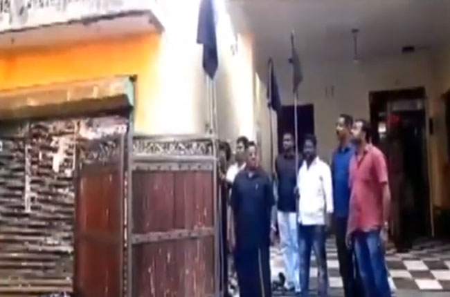 puducheri cm Narayana Swamy initiated against governor kiranbedi