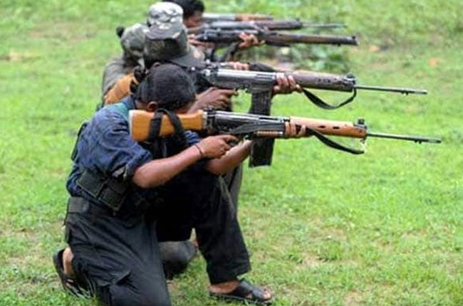 30 Maoists Firing on vehicles in chatisghad