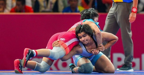 Divya Kakran, Manju Kumari win bronze medals
