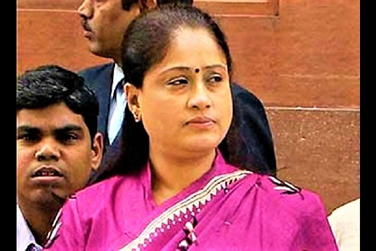 Vijayasanthi criticized on KCR on Telangana Interbord  Mistakes