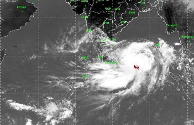 Cyclone Fani hovers 840 km from Chennai
