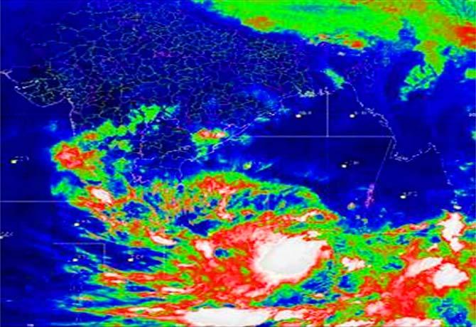 Fani effect in Odisha.. Flood threat to rivers