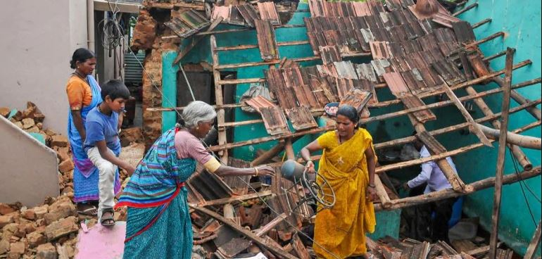 Heavy rains create flood scare in parts of Karnataka