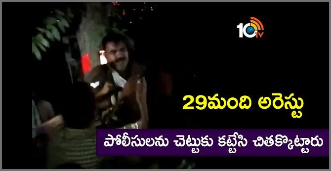 villagers attack on three cops at varanasi