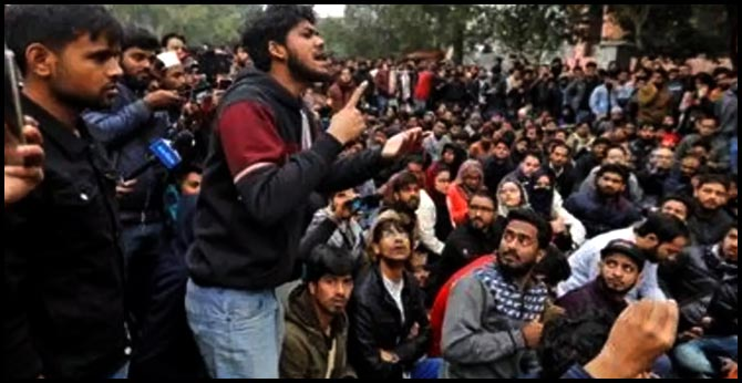3 IITs Declare Solidarity with Jamia, AMU Students as Anti-CAA Protests Lead to Violence, Injuries