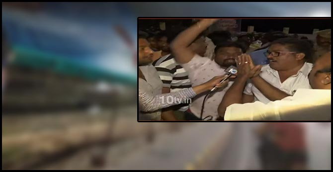 farmers damage cm jagan flexies