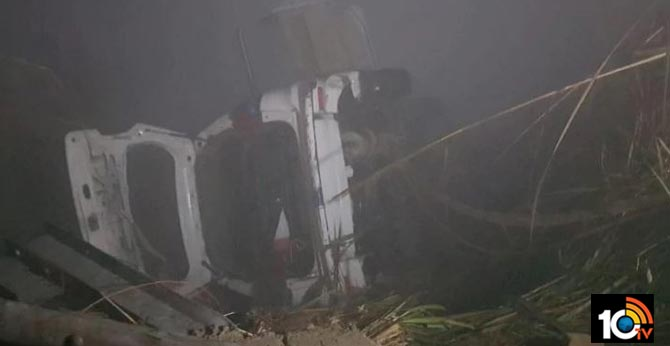 Fog Effect..6 including 2 minors dead as car plunges into canal in Greater Noida due to fog