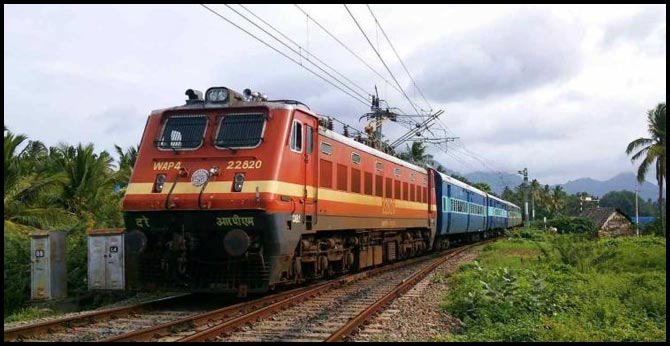 Railways operating ratio of 98.44 per cent in 2017-18, worst in last 10 years: CAG