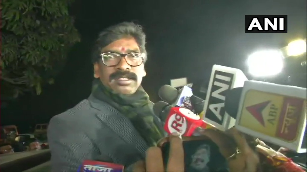 Will take oath as CM on December 29, says Hemant Soren