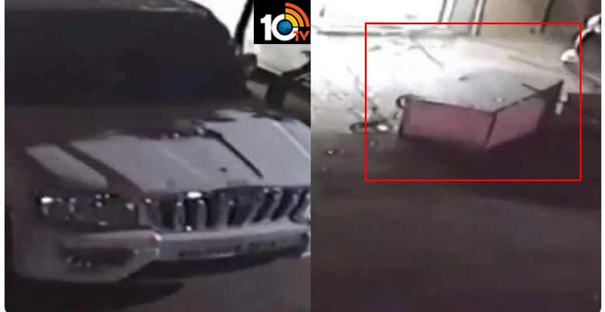 Pune: Thieves Uses Mahindra Scorpio SUV To Dislodge An ATM Machine