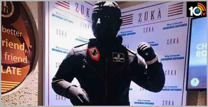 chocolate statue in the honor of Abhinandan