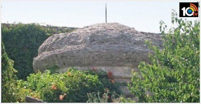 pakistan reopen mahabharat era hindu temple january 2020 peshawar