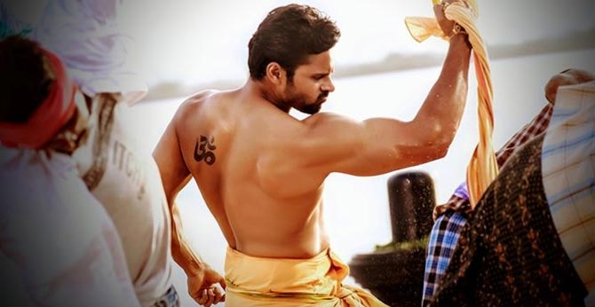 sai dharam tej to flaunt his 6 pack in prati roju pandage