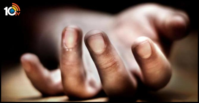 A woman killed by her paramour in visakhapatnam