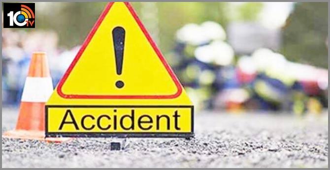 Accident near Kadapa: 25 Injured