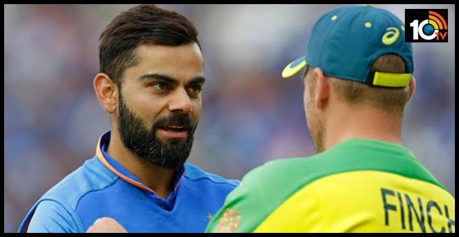 indvaus: Australia target 256 runs