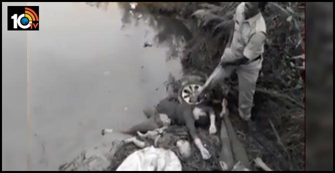 Five killed as car falls into canal In Srikakulam district Kottapalli