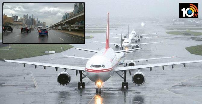 Heavy Rain in Dubai, Airlines Band