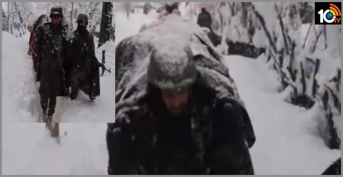 Indian Army saved the old man In Jammu Kashmir