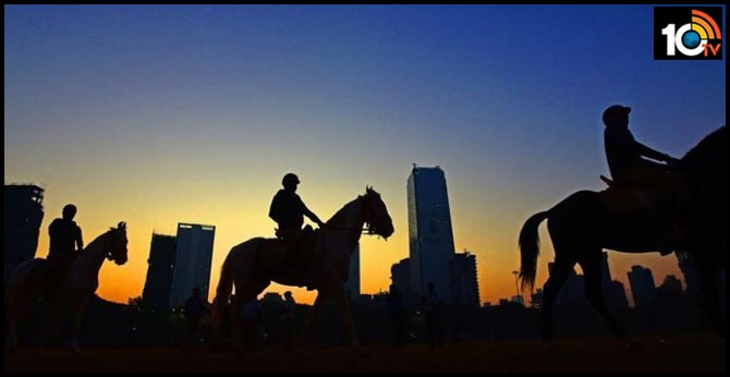 Mumbai cops to patrol on horses, first time since 1932