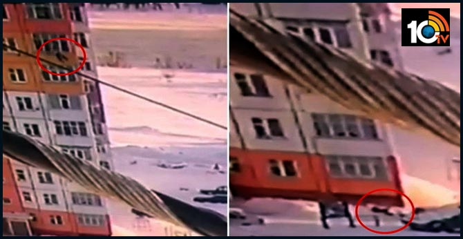 Woman falls from 9th floor, gets up and walks away after landing on snow pile