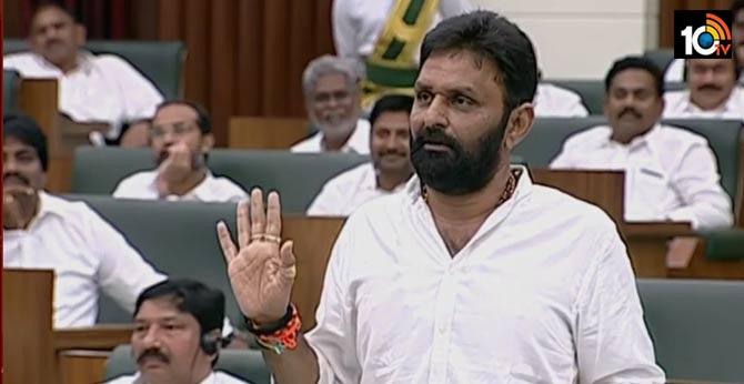 YCP MLA Kodali nani clarify on kamma caste equations on capital issue