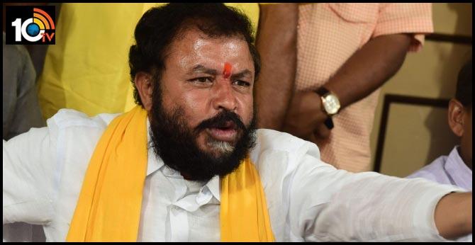 ex-MLA Chintamaneni Prabhakar fires on AP CM jagan