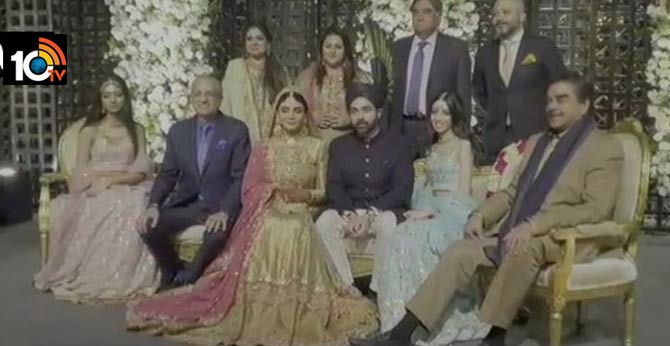 Actor & Congress leader Shatrughan Sinha at a wedding function in Lahore,