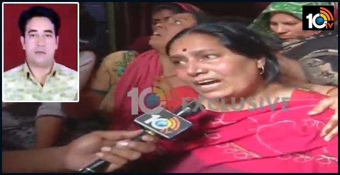 Delhi Riots IB Staffer Ankit Sharma Mother in tragedy