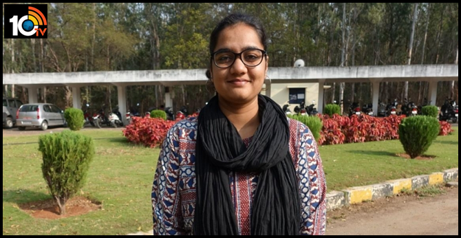 Hyderabad Central University Student Nandini Sony get Highest Package in Campus Selection