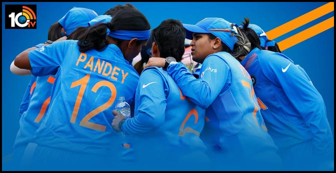 India through to semi-finals with last-ball win after Amelia Kerr's scare