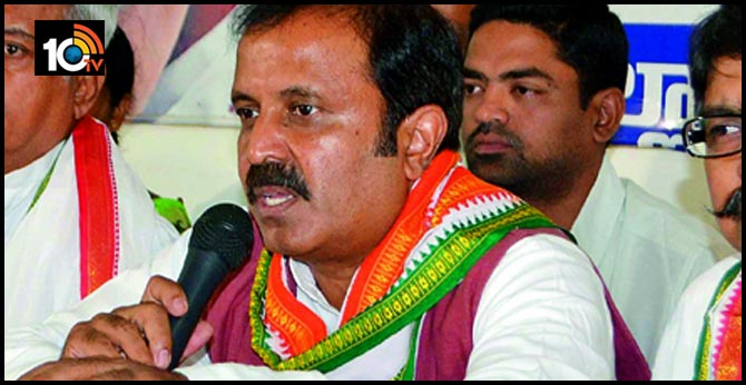 Former MP Madhu Yashki Goud not active in away from Congress party and his Constituency