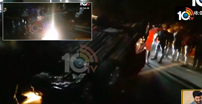 car accident at jubliee check post , hyderabad