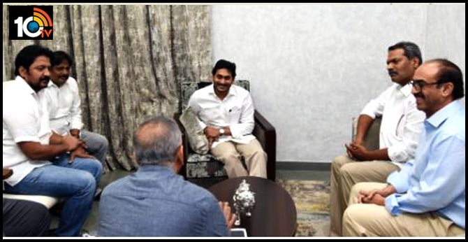 Tollywood delegation meets CM Jagan In Tadepalligudem