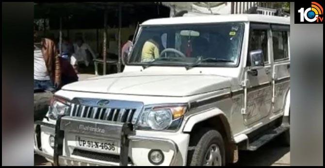 uttar pradesh man challaned for not wearing helmet while driving car
