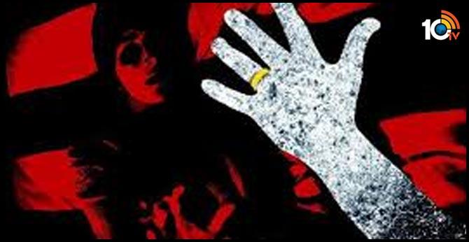women rape in bus in zaheerabad