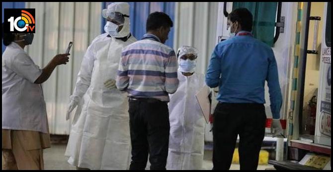 Coronavirus: Doctor turned away by 4 hospitals over virus fears, now on ventilator