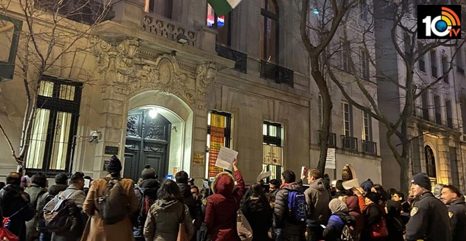 Hundreds rally in US cities against anti-Muslim violence in Delhi