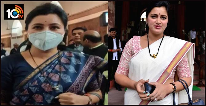 Delhi: Independent MP from Maharashtra, Navneet Rana arrives at the Parliament wearing a mask