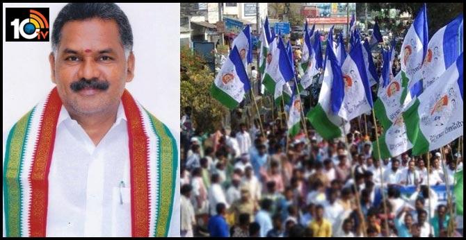 Ysrcp senior leaders shocked to Pasupulati Balaraju seeking of ZP chairman post to his daughter