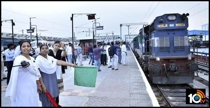 Women's day special : An all-women crew ran this passenger train in Hyderabad