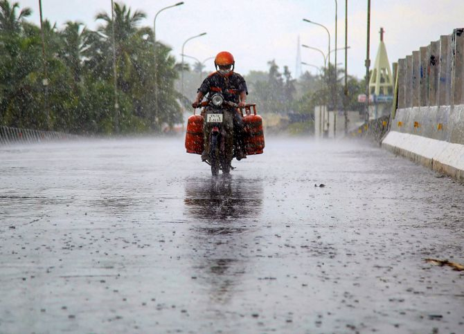 india may see second wave of coronavirus outbreak in monsoon